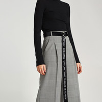 EXTRA LONG BELT WITH SLOGAN DETAILS