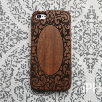 Wood iPhone 5c Case - Vintage Ivy Frame, Real Wood Engraving, Retro, Floral, Classic, Eco Friendly, Unique iPhone Case, Girl, iPhone5c Cover