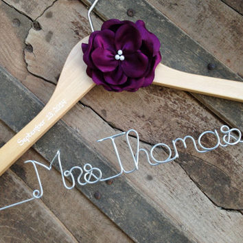 Personalized Hanger with Satin Flower, Colors, Wedding Dress hanger, Custom Hanger, Bride Hanger,Bridal Hanger, Bride Gift, Wedding Hanger