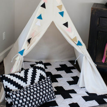 Modern Plus Sign Baby Quilt - Black & White