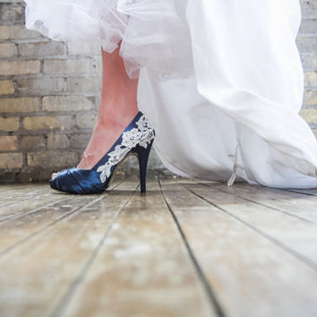 Bridal Heels. Navy Blue Wedding Shoes, Navy Blue Heels, Blue Bridal Shoes, Wedding Heels with Ivory Lace. US Size 8