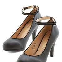 ModCloth Vintage Inspired Amp Up the Allure Heel