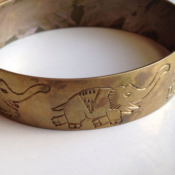 Vintage Brass Elephant Bracelet, Brass Bangle, Tribal Bangle, Ethnic Bracelet, Etched Elephant Bracelet