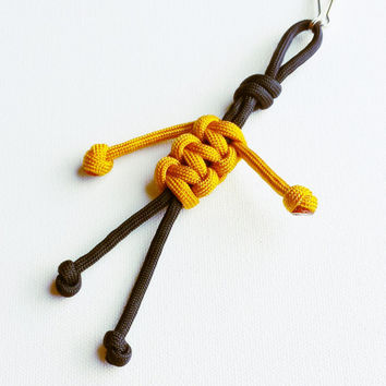 Paracord Keychain - 550 Paracord - Survival Keychains - Black & Gold Keychain - Para-Bandit - Zipper Pull - Stocking Stuffers