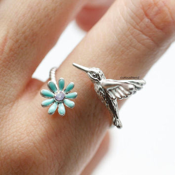 Adjustable Humming Bird with tiny flower decoration ring/Bird ring Symbol of all good things  (3colors)