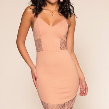 Lover's Game Lace Dress - Mauve