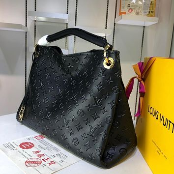DCCK 967 Louis vuitton Litchi embossed handbag 42-32-16cm Black