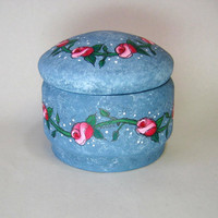 Red Roses, Tole Painted, Round Top Container, Novelty Box, Mothers Day, Spring Time