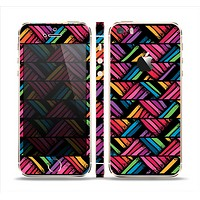 The Abstract Zig Zag Color Pattern Skin Set for the Apple iPhone 5s