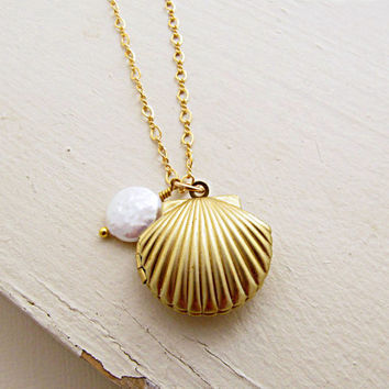 Sea Shell Necklace, Shell Locket Necklace, Gold Shell Necklace, Ocean Jewelry, Pearl Necklace, Summer Wedding - Seashell