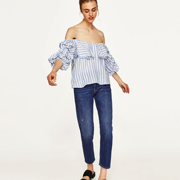 BLOUSE WITH PLEATED SLEEVES DETAILS