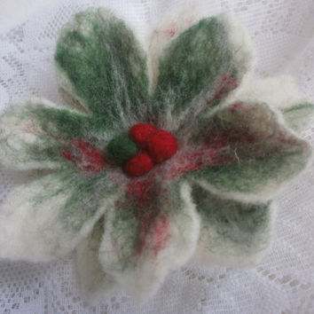 Felt Christmas Flower, white red green flower brooch with berry, felted Christmas brooch, wool brooch, Christmas decorations, gift for her
