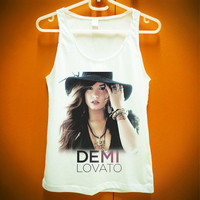 Demi Lovato w Hat US Disney Singer Actress Tshirt by SoHardToLive