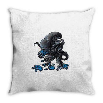 alien eats alien Throw Pillow