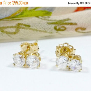 Glitzy Gold 14k Stud Earrings Two Prong Set Cubic Zirconia Simulated Diamonds Fully Faceted Sparkling Clear Dazzling Delights
