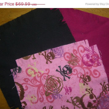 """Flannel rag quilt kit Skulls fabric Skeleton cotton quilt sqaures sewing material 45.5""""x58.5"""
