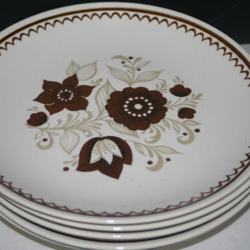Collectible Royal China Nutmeg Pattern Dinner Plate,Collectible Vintage,Castawayacres