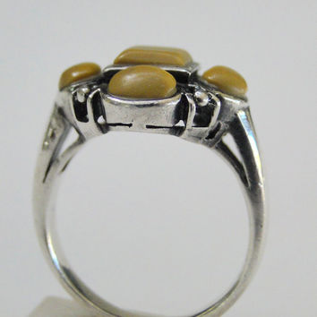On SALE Vintage Sterling Ring Yellow Stone Setting Size 6.75  Sale