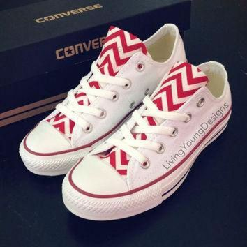 CREYUG7 Red Chevron Converse Low Top Sneakers White Custom Chuck Taylors