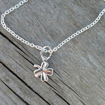 Four Leaf Clover Necklace, 4 Leaf Clover Necklace, Dainty Silver Chain with Four Leaf Clover Charm, Simple Silver Necklace