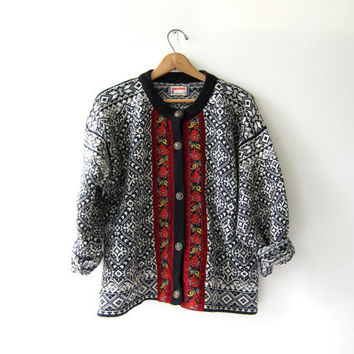 Vintage Norwegian Sweater. Cardigan Sweater. Snowflakes & Flowers. Oversized ethnic sweater.
