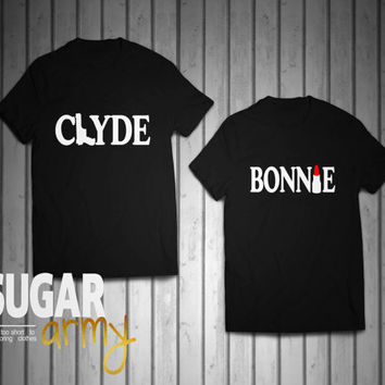 Bonnie Clyde jerseys, couple shirts, matching shirts for couples, couples jerseys, bonnie tshirt, clyde tshirt, Unisex style t-shirt