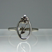 Oval flower and vine sterling silver ring, silver ring, flower ring, vine ring, eco friendly, women, statement, novelty, wedding
