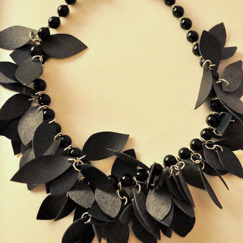 Necklace with leaves in ecoskin