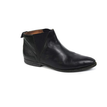 Shop Flat Chelsea Boots on Wanelo