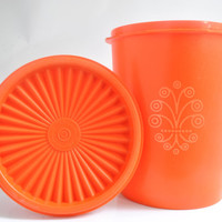 Vintage Tupperware Canister with Lid