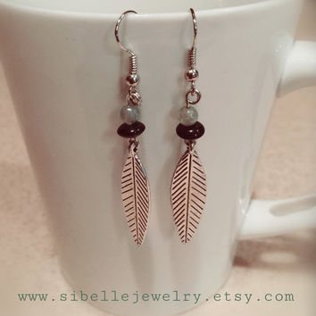 Nickel free feather earrings / beaded earrings / bohemian earrings / boho jewelry / feather charms / dangle earrings / gypsy earrings