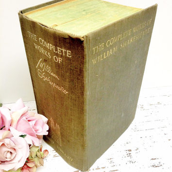 SHAKESPEARE,Complete Works of William Shakespeare,1930s, First Edition,Photo Prop,Unusal Book, Extra Thick Book,Vintage Wedding,Wedding Gift