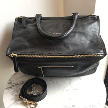 DCCKG2C Givenchy Black Pandora Bag