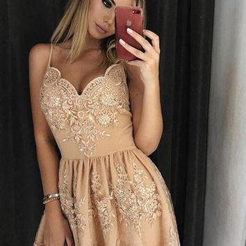 Stylish A-Line Spaghetti Straps Short Homecoming Dress with Lace Appliques OKD14