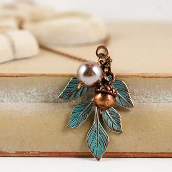 Pearl Acorn Necklace Leaf Necklace Pearl Necklace Autumn Acorn Nature Jewelry Flower Necklace patina Copper Jewelry Woodland