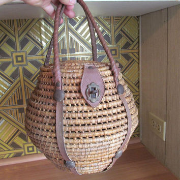 Antique basket handbag coiled raffia with leather handle & hardware 1920s