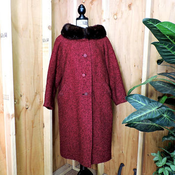 Mid century wool coat / S / M / Vintage 50s red ecru wool overcoat / 1950s long wool fur collar coat / red swing coat