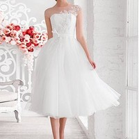 [127.50] Chic Tulle Jewel Neckline Tea-length A-line Wedding Dress With Beaded Lace Appliques - Dressilyme.com
