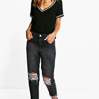 Petite Suki Ripped Knee Mom Jean