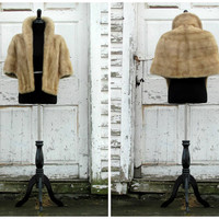 Hollywood Starlet Mink Capelet/ Glamorous High Standing Collar/ Luxurious and Supple/ Vintage 50s Mink Fur Stole/ Grey Silver