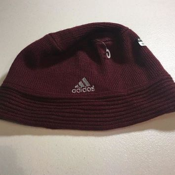 ESBONC. BRAND NEW ADIDAS MAROON SMALL/MEDIUM KNIT HAT SHIPPING