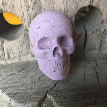 Skull Bath Bomb - Black Raspberry Vanilla Bath Bomb - Skull Mold - Black Raspberry - Bath Fizzy - Lush Bath Bomb - Hand Made - TayTaysSoap