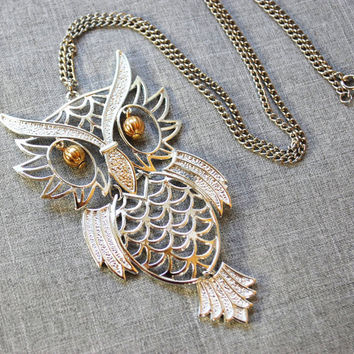 Vintage Pendant Necklace, Large Figural Great Horned Owl, Articulating, Silver Tone, Gold Beads, 1960s Mad Men Woodland Jewelry