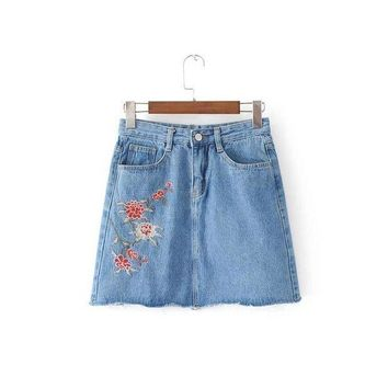 CREY78W 2017 Summer Fashion Lady Floral Embroidery Jean Skirts All-match Women Button Pockets Sexy Slim Bodycon Denim Skirt AH8758-0520