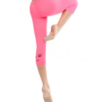 Betsy Johnson Dancin In Capri Leggings