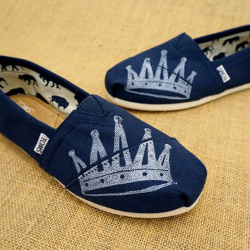 Crown TOMS Shoes