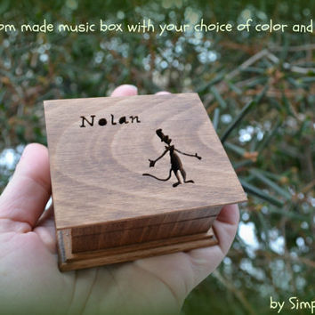 music box, wooden music box, custom made music box, dr seuss, the cat in the hat, personalized music box, musical box, music box shop,