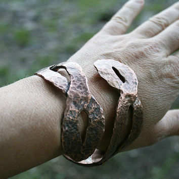 copper bangle, hammered bracelet, handmade bracelet, organic jewelry, adjustable bracelet, adjustable band, rustical bracelet,