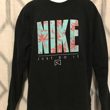 DCCKIN9 Men¡¯s Nike Graphic ¡°Just Do It¡± Sweater