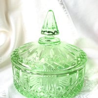Antique Anchor Hocking Quilted Glass Candy Bowl with Lid/Candy Dish/Trinket/Indiana Glass Co./Vintage Wedding Decor